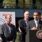 Villaraigosa Pledges CityWide Wi-Fi in 2 Years